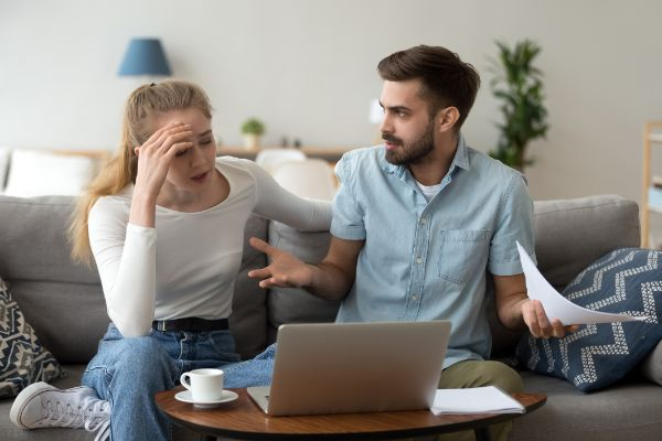 do married couples have to file bankruptcy jointly